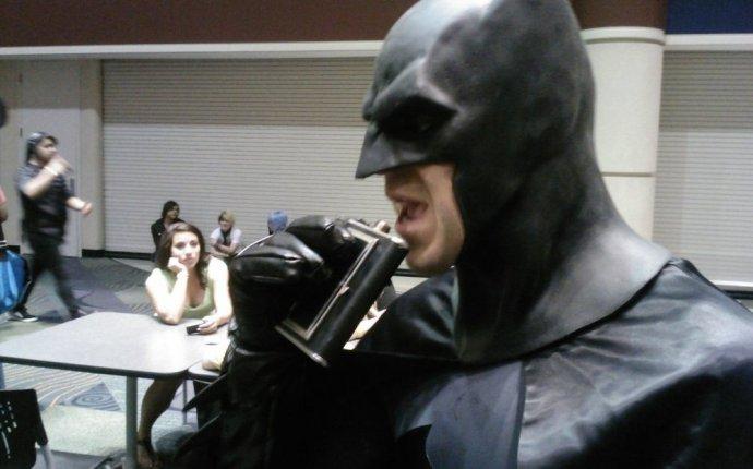 Парень из Ирландии сделал косплей Бэтмена